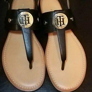 Sandals, never worn excellent condition